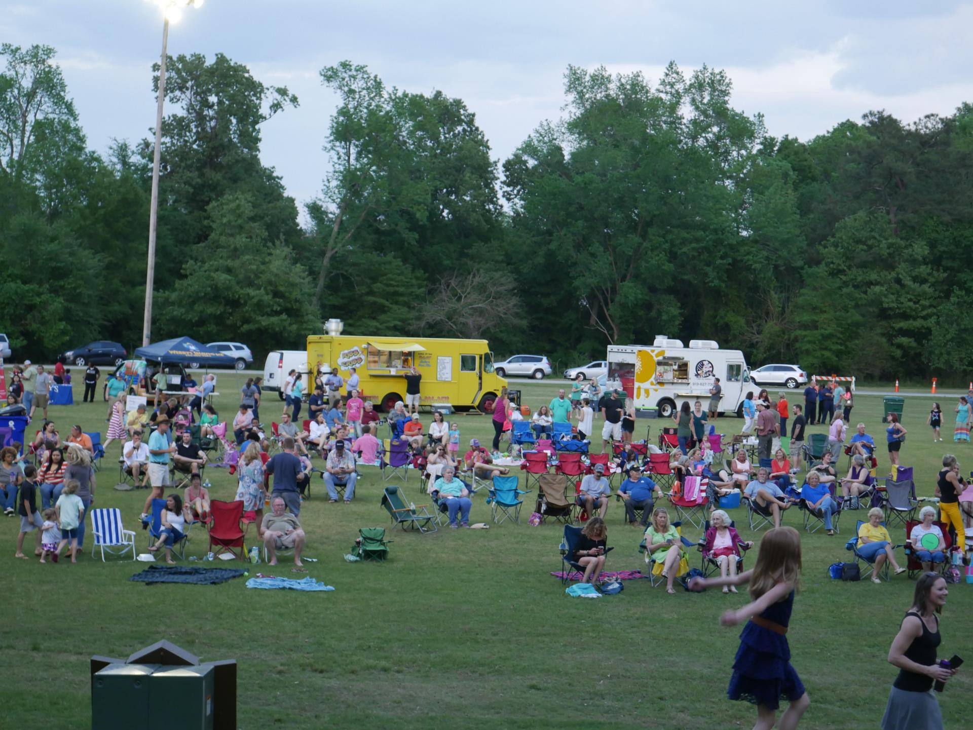 Citizens attending the Creekside Music Series